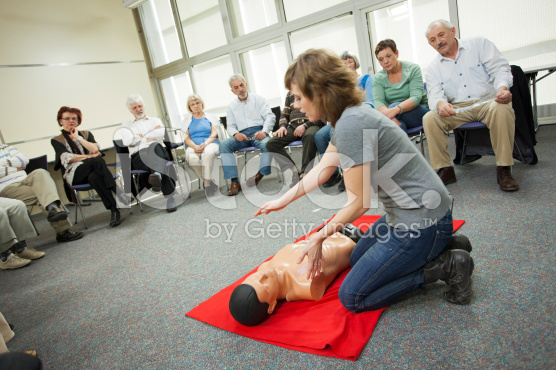 stock-photo-23008608-first-aid-training-course