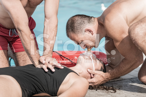 stock-photo-44136218-cpr-training-for-lifeguards